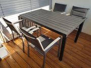 Garten Sitzgruppe bestehend aus Tisch