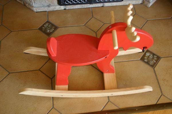 Schaukelelch Ekorre IKEA rot aus
