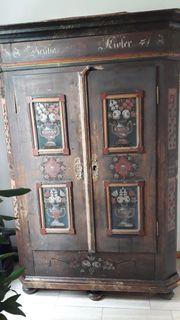 Antiker Bauernkasten zweitürig bemalt datiert1848