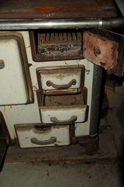 Antiker Küchenherd emailiert