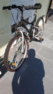 4 Fahrräder für Bastler ein