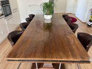 Mangoholztisch mit 8 Stühlen