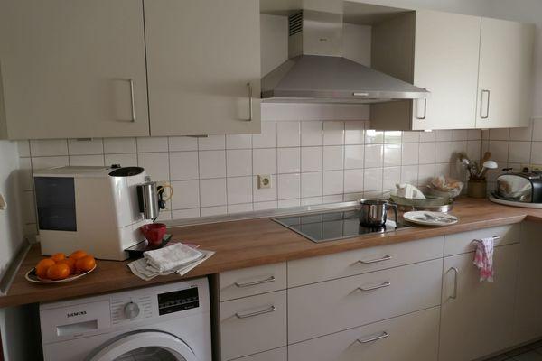 Hochwertige Küche mit Neff Geräten - knapp 1, 5 Jahre alt