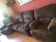 Sofa und 2 passende Sessel