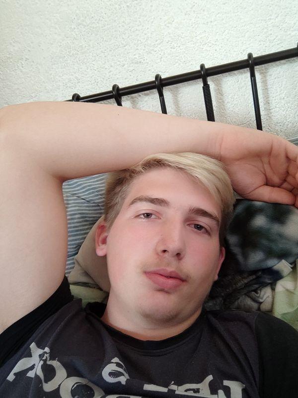 Junger Mann sucht dich für