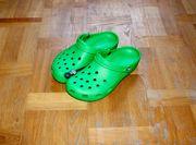 Crocs Classic Clogs grass green