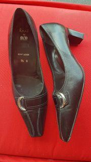 Schuhe aus Leder ARA