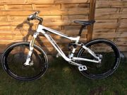 TREK EX 9 Fuel Fully