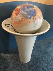 großer Keramikzimmerbrunnen mit Wasserpumpe