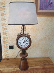 Standlampe Tischlampe mit Uhr aus