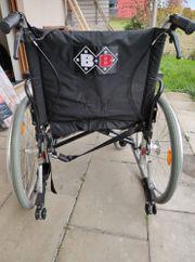 Kaum benutzter Rollstuhl der Marke