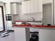 Küchenmonteur und Elektriker