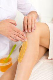 Sanfte Haarentfernung mit Sugaring