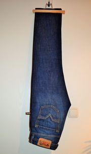 Blue-Jeans von Diesel