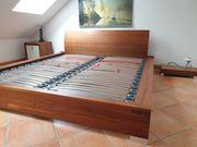 Nußbaumholz-Massiv Designer Bett Nachttische