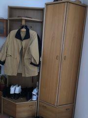Teilmassiv Garderobe