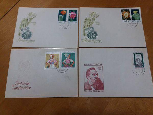 Karton voller Briefmarken und 4