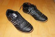 schwarze Sneaker von DooDogs Größe