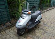 Honda Motorroller CH250 Elite