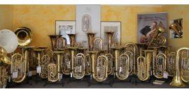 V F Cerveny Tuba in: Kleinanzeigen aus Hagenburg Altenhagen; Kr Schaumb-L - Rubrik Blasinstrumente
