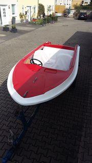 Motorboot mit Anhänger und AB