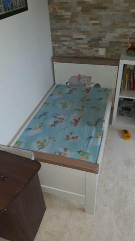 Wiegen, Babybetten, Reisebetten - Babybett Kleinkindbett aus Massivholz kidsmill