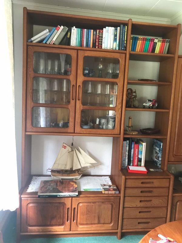 Wohnzimmer-Schrank dänisches Design Teak