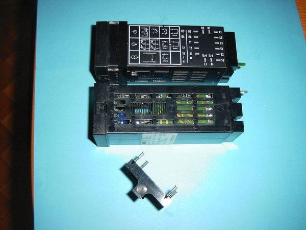 Biete 2 ungebrauchte Kompakte Mikroprozessorregler