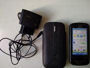 Nokia C6-00 mit Hülle und