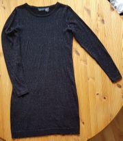 Kleid in schwarz mit Lurex