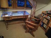 Sehr dekorativer Schreibtisch und Stuhl