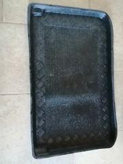 neuwertige Kofferraumwanne für Corsa