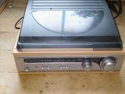 Schallplattenspieler und Radio