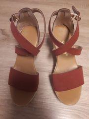 Sandalen in der Größe 35