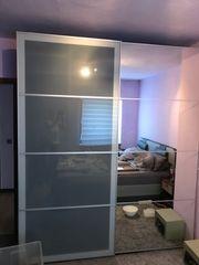 sehr massiver Schlafzimmer Schrank top