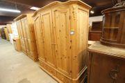 Kleiderschrank Kiefer 260x200x65 gepflegt - HH181020
