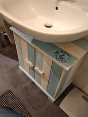 Waschtischunterschrank in weiß blau