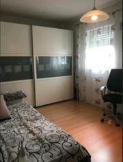 mobeliertes Frauen-WG-Zimmer 19qm in Wohnung zu