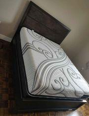 Queen-Bett und Premium-Matratze zu verkaufen