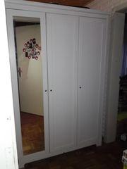 Ikea Kleiderschrank mit Spiegeltür