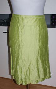 Damenrock in tollem hellen grün