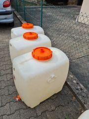 3 Wasser Fässer abzugeben