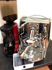 Isomac-La Mondiale-Espressomaschine und Nuova Simonelli-Espressomühle