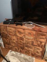 Kommode aus Holz