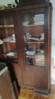 Alter Echtholz-Bücherschrank