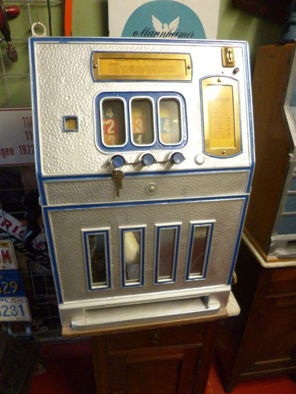 Einarmiger Bandit Slotmachine Automat Heros