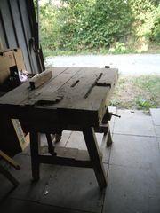 Werkbank aus Holz sehr alt