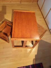 Kindersitzgruppe aus Holz