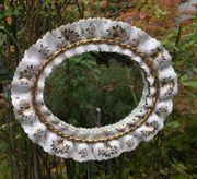 schöner Spiegel aus Porzellan