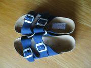 Pantoletten blau
